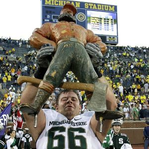 Paul-Bunyan-trophy